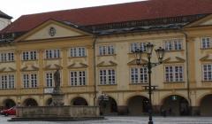 Komentované prohlídky Valdštejnova paláce – zámku